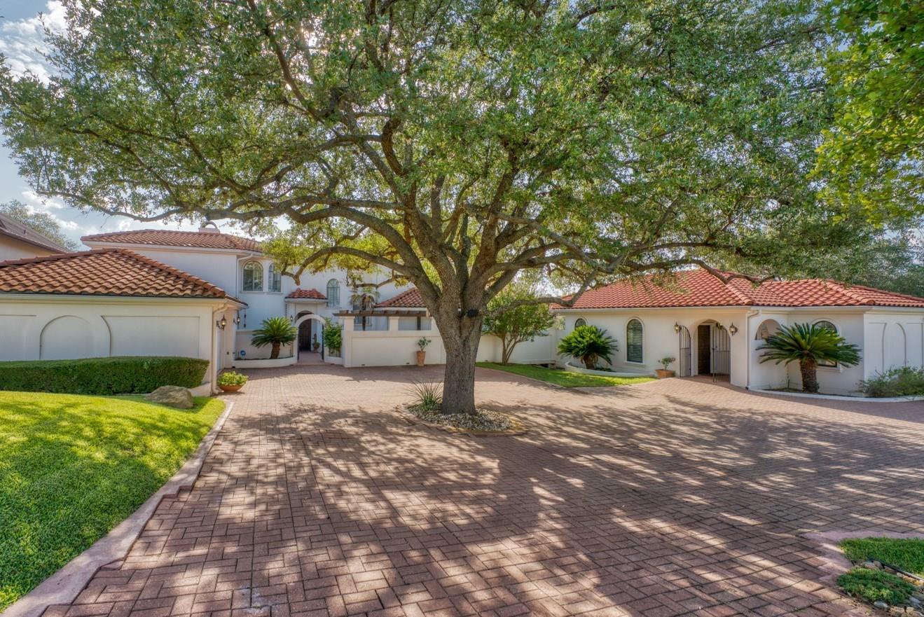 412 Florentine Property Photo - Horseshoe Bay, TX real estate listing