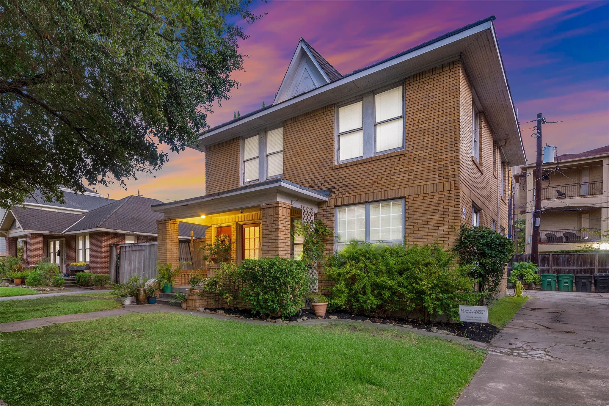 410 W Pierce Street Property Photo - Houston, TX real estate listing