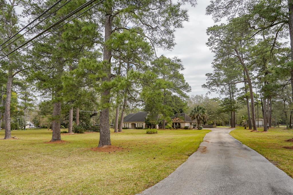 2001 S Houston Avenue, Humble, TX 77396 - Humble, TX real estate listing