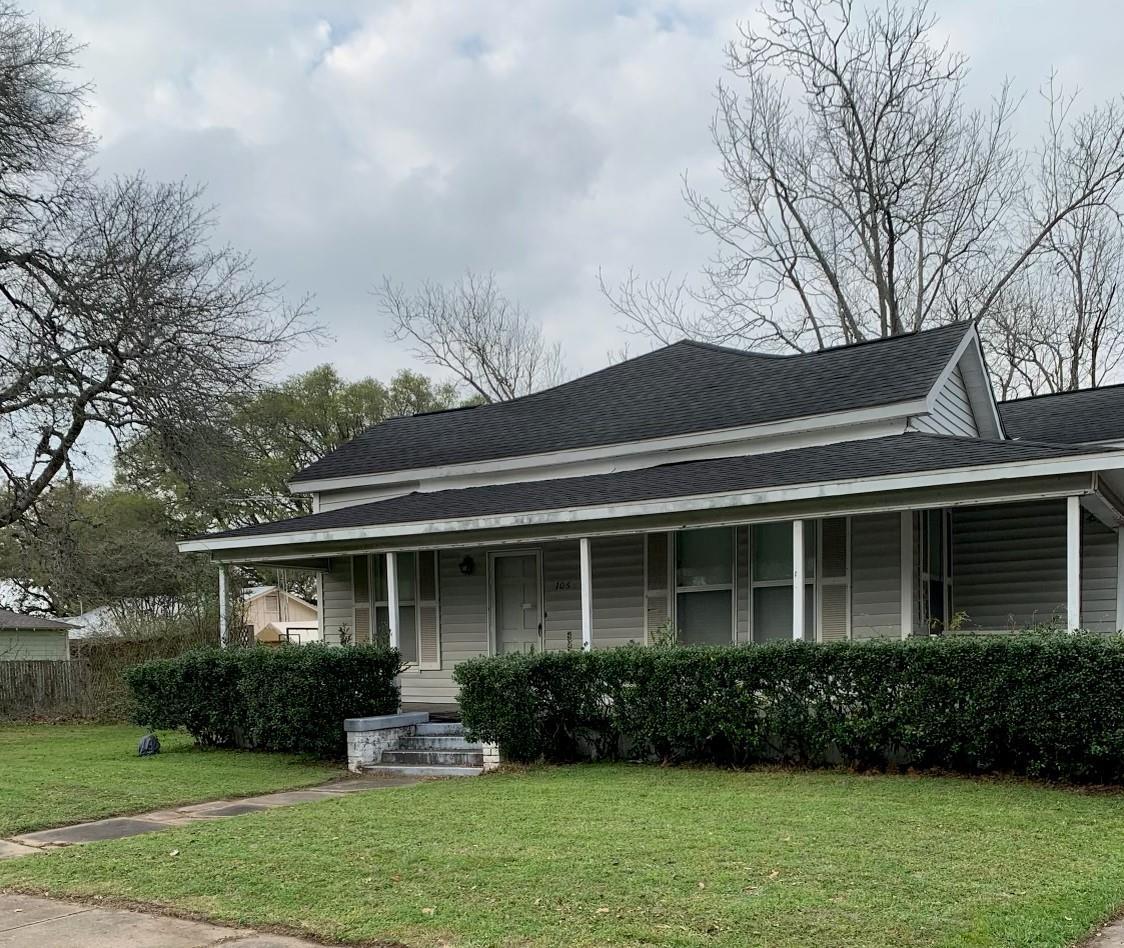 106 W Prairie Avenue Property Photo - Eagle Lake, TX real estate listing