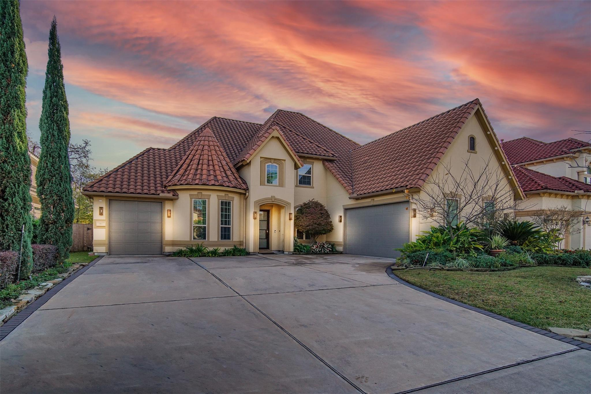 9811 Martha Springs Drive Property Photo - Houston, TX real estate listing