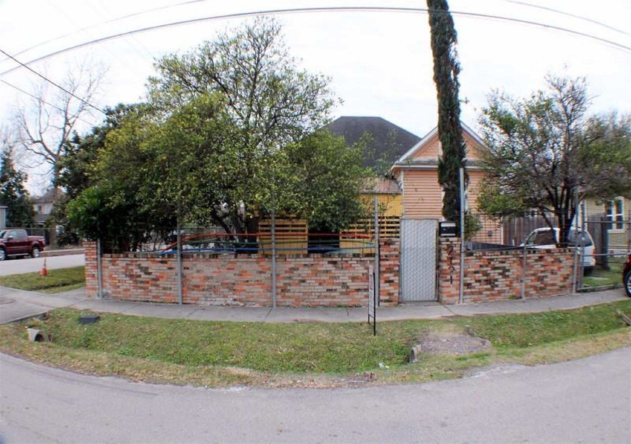 2101 Gentry Street Property Photo