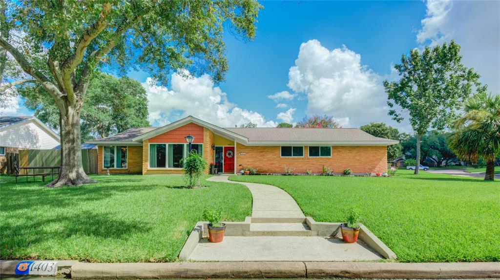 1403 Saxony Lane Property Photo - Nassau Bay, TX real estate listing