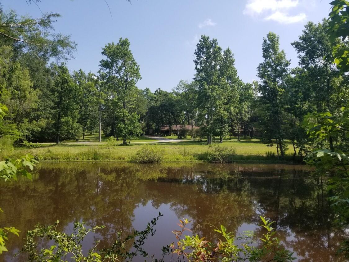 10594 W League Line Road Property Photo 1