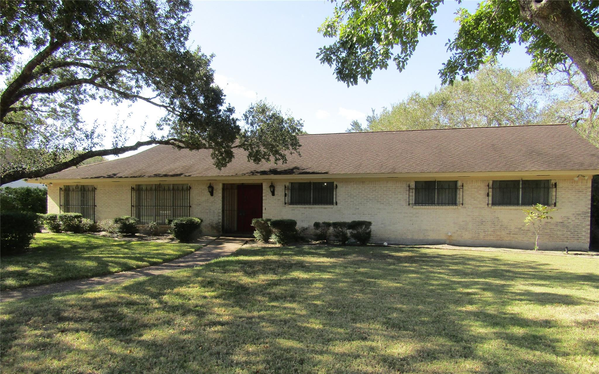 405 Tampa Drive Property Photo - Victoria, TX real estate listing