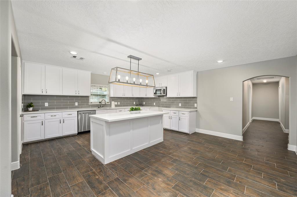 7417 Valeda Drive Property Photo - Deer Park, TX real estate listing