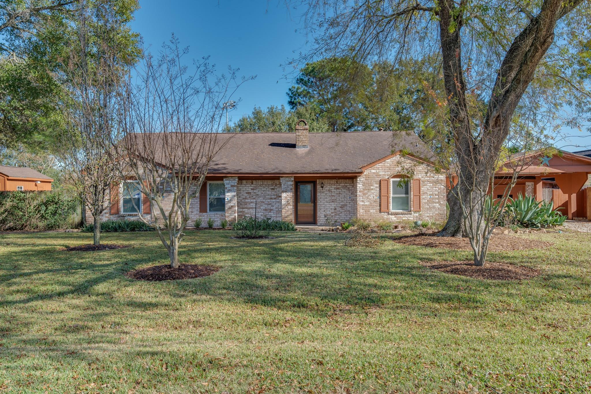12102 Cypress Place Drive Property Photo - Houston, TX real estate listing
