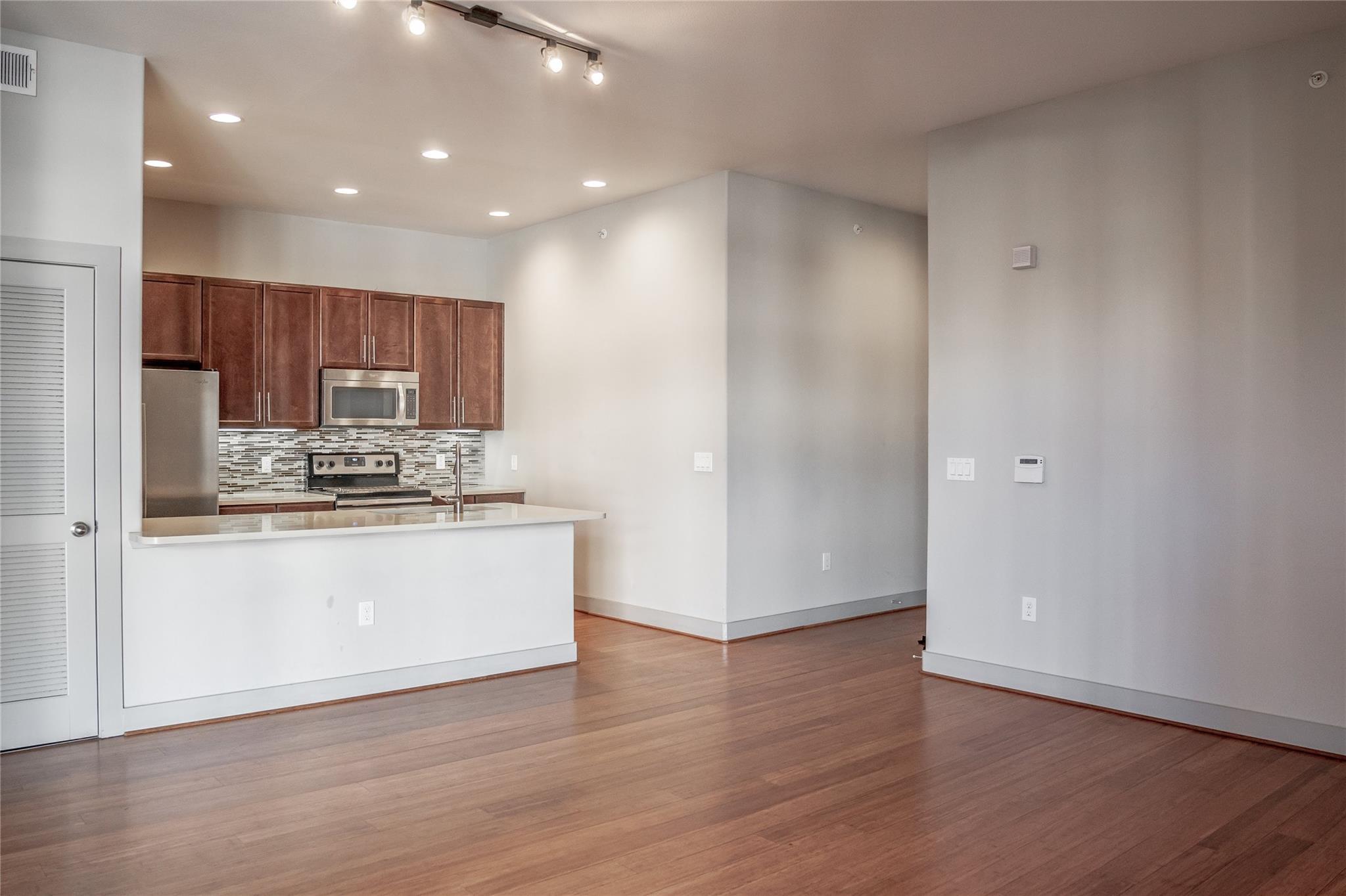 1616 W Dallas Street #204 Property Photo