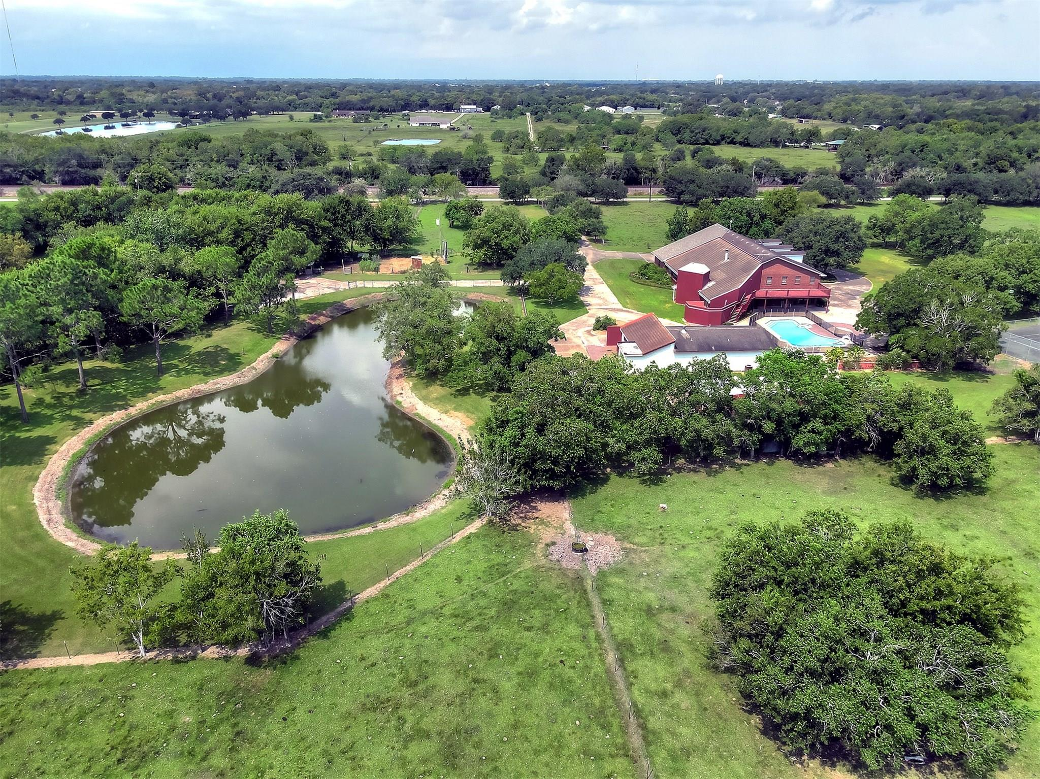 431 County Road 214 Property Photo - Bay City, TX real estate listing