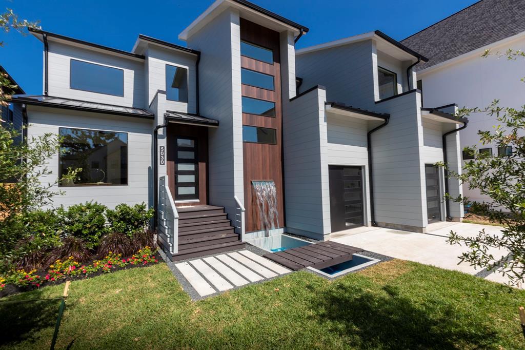 5030 Bayou Ridge Drive Property Photo - Houston, TX real estate listing