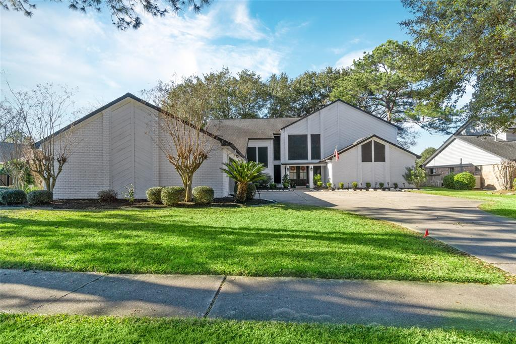 2310 Green Tee Drive, Pearland, TX 77581 - Pearland, TX real estate listing