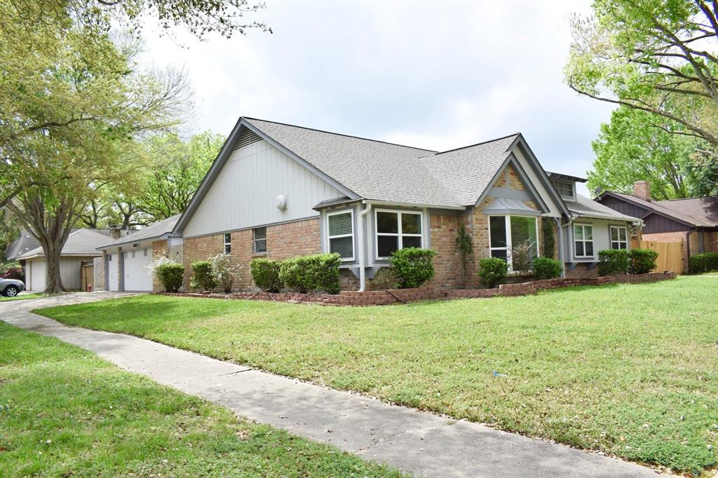 15603 Rolling Timbers Drive Property Photo - Houston, TX real estate listing