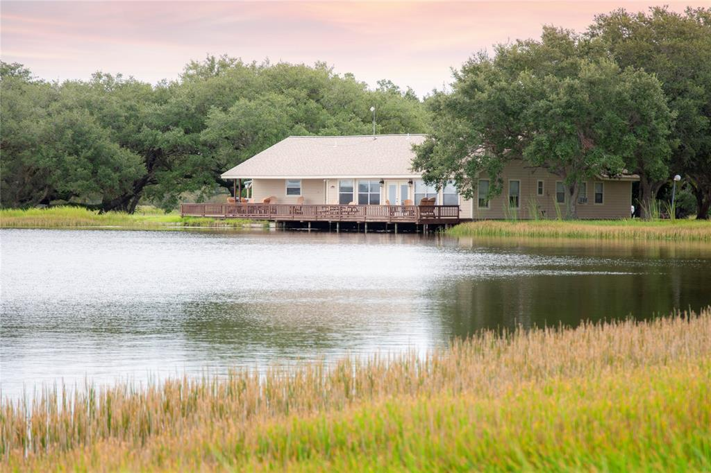 721 Private Road 621 Property Photo - Wadsworth, TX real estate listing