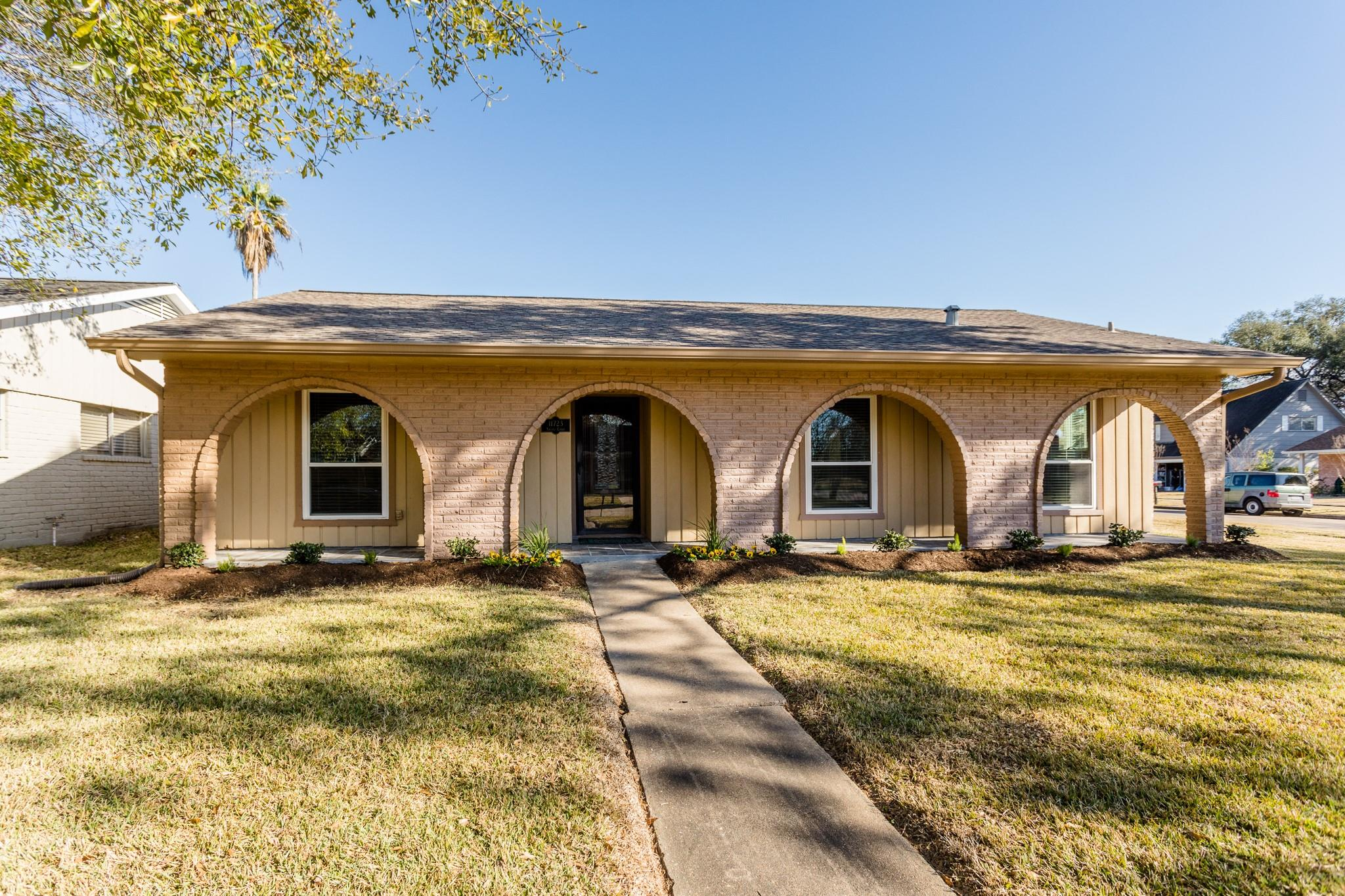 11723 Solano Court Property Photo - Meadows Place, TX real estate listing