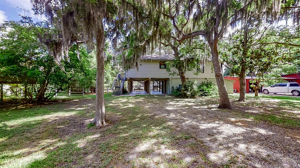 618 County Road 297 Property Photo - Sargent, TX real estate listing