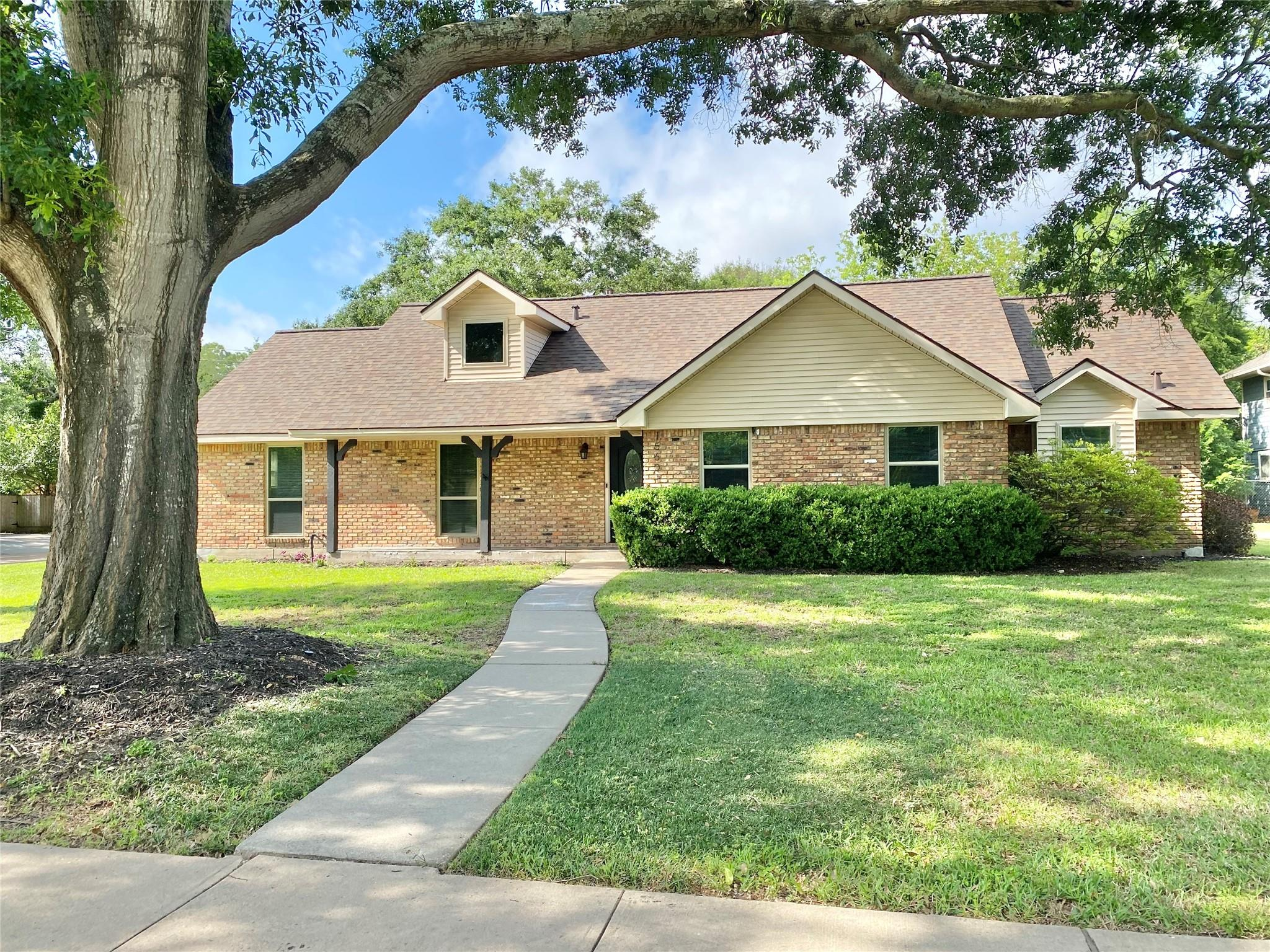 15601 Shanghai Street Property Photo - Jersey Village, TX real estate listing