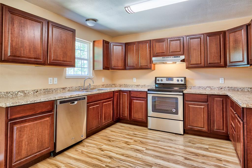 312 Spreading Oak, Somerville, TX 77879 - Somerville, TX real estate listing
