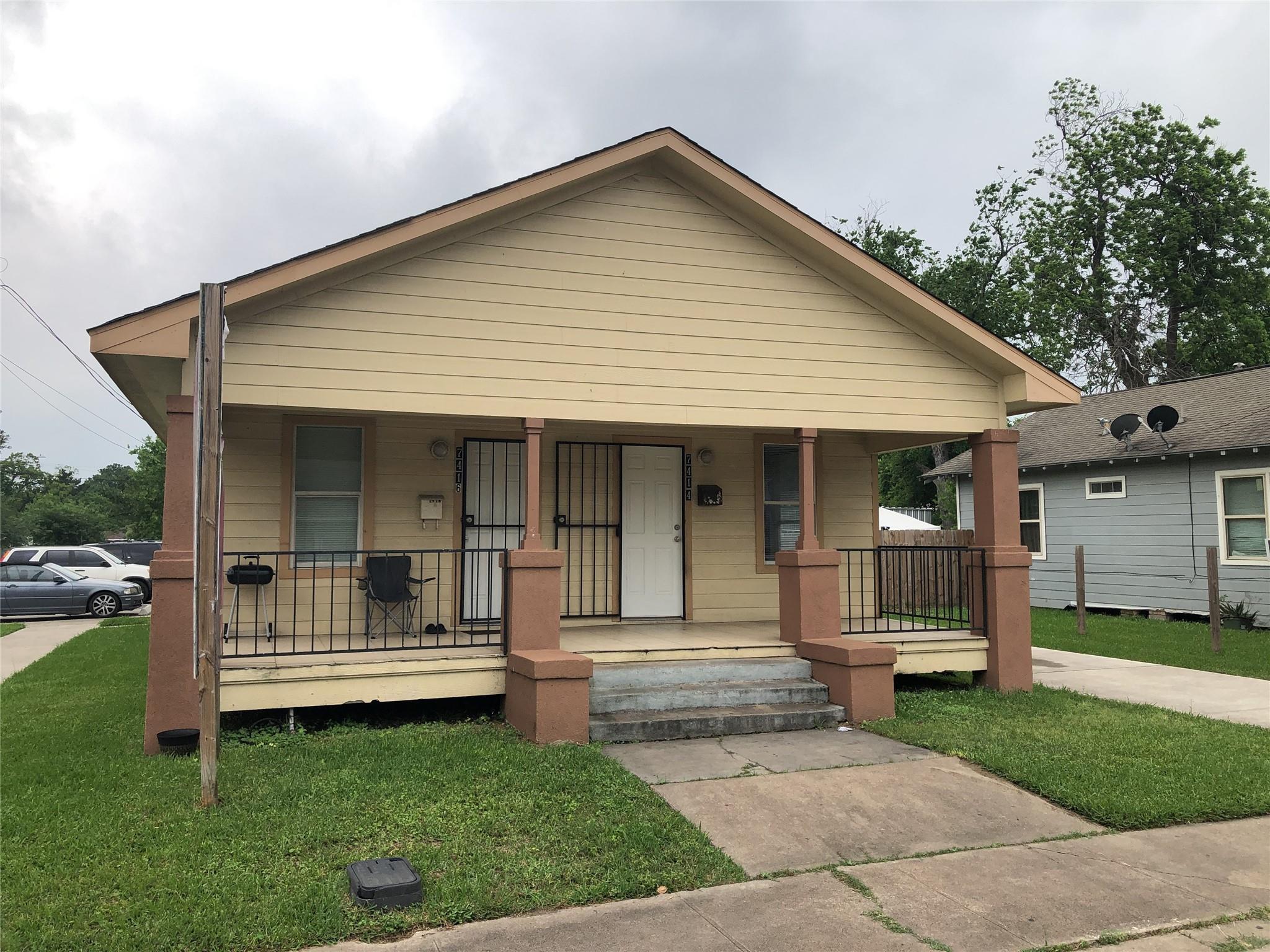 204 S 74th 1/2 Street Property Photo