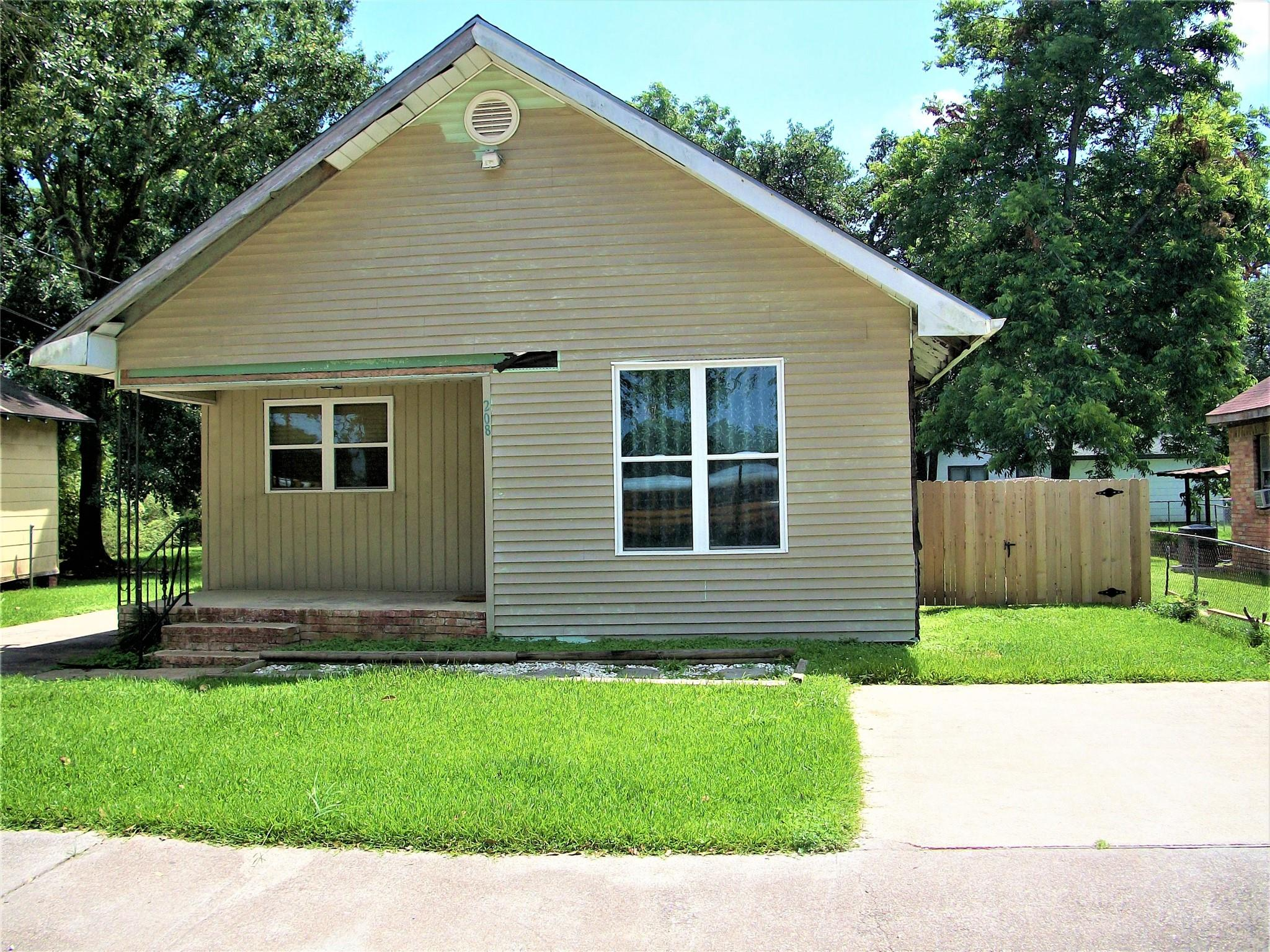 208 S 13th Street Property Photo