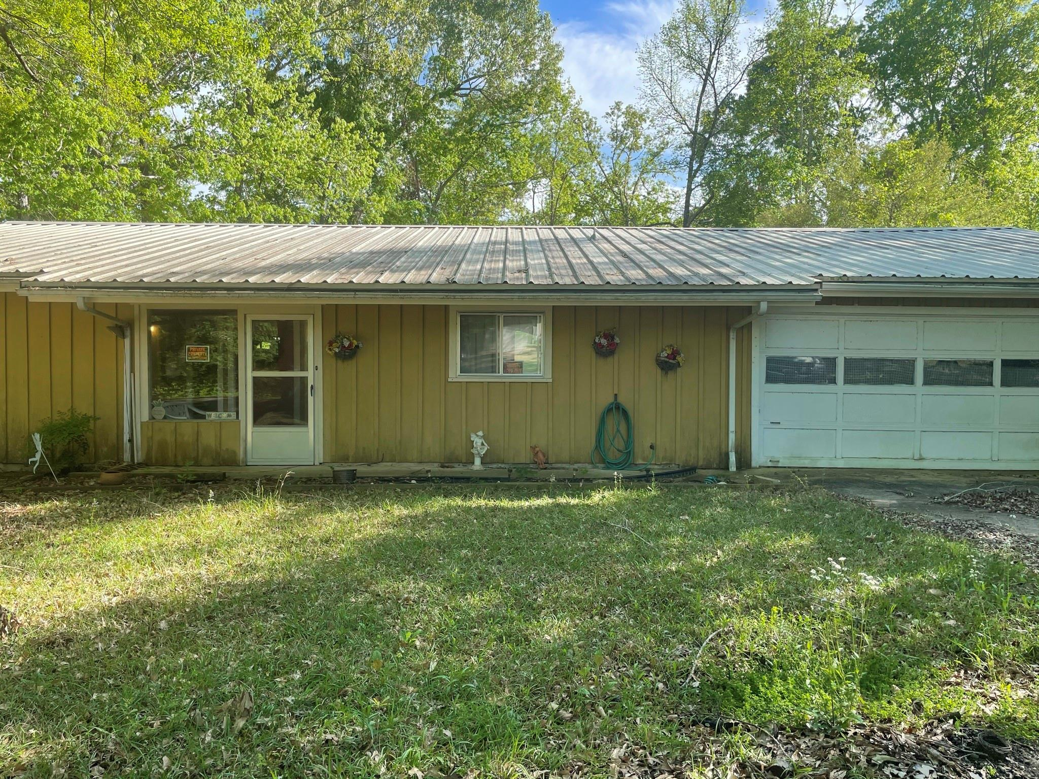 355 Woodland Est Property Photo - Hemphill, TX real estate listing
