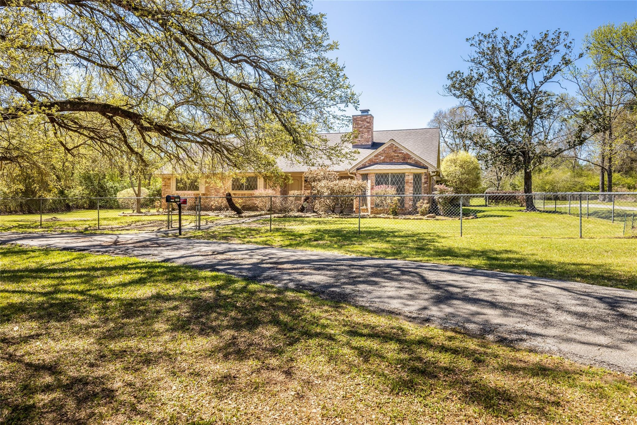 21943 Lutheran Church Road Property Photo - Tomball, TX real estate listing