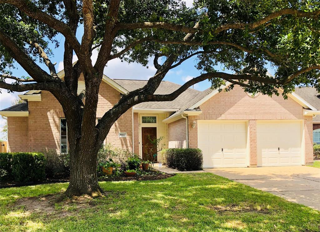 8927 Starlamp Lane Property Photo - Houston, TX real estate listing