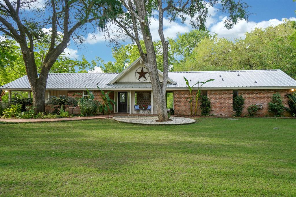 38310 Buckskin Road Property Photo - Wallis, TX real estate listing