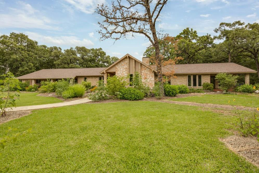 6015 Los Robles Drive, College Station, TX 77845 - College Station, TX real estate listing