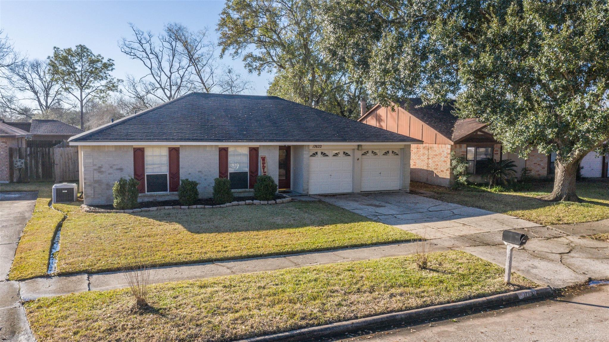 17622 Heritage Cove Drive Property Photo - Webster, TX real estate listing