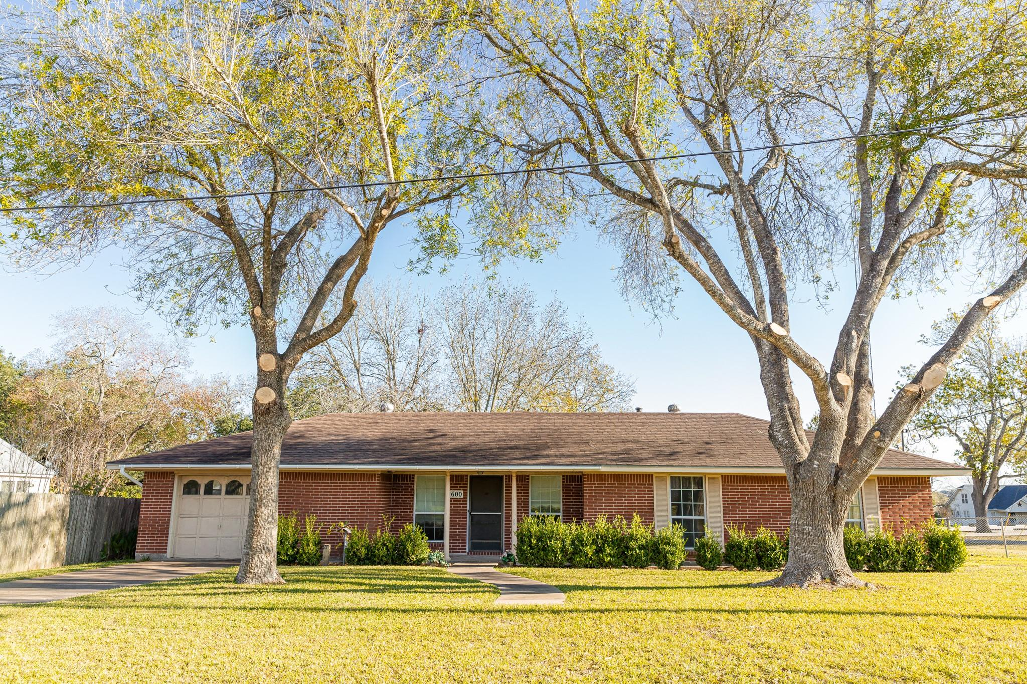 600 N Colorado Street Property Photo - Burton, TX real estate listing