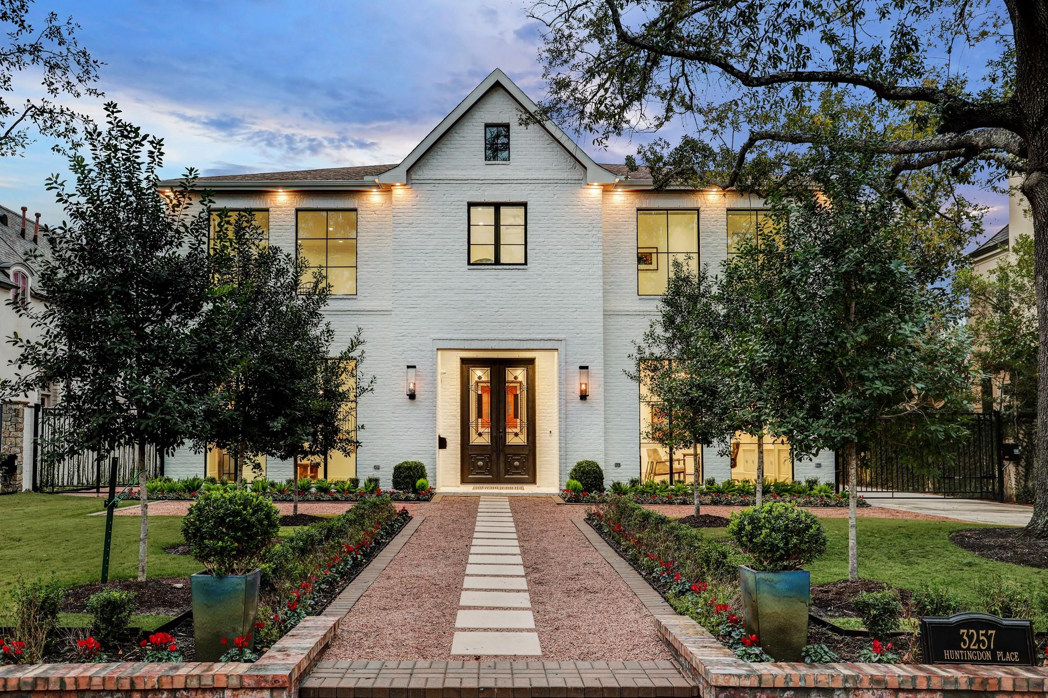 3257 Huntingdon Place Property Photo - Houston, TX real estate listing