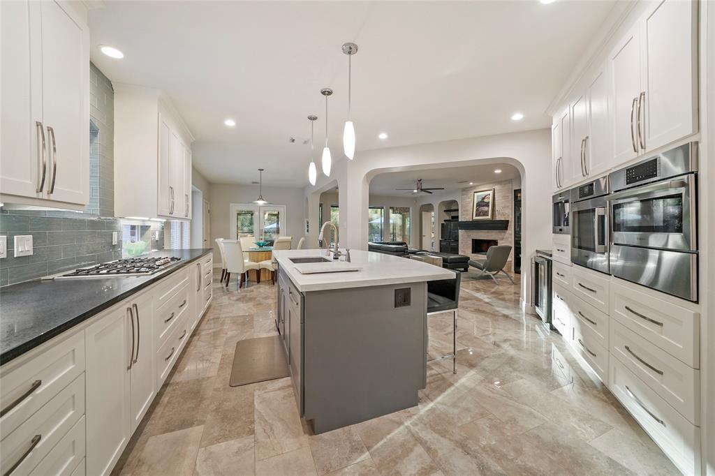 13246 Brookfield Lane Property Photo - Conroe, TX real estate listing
