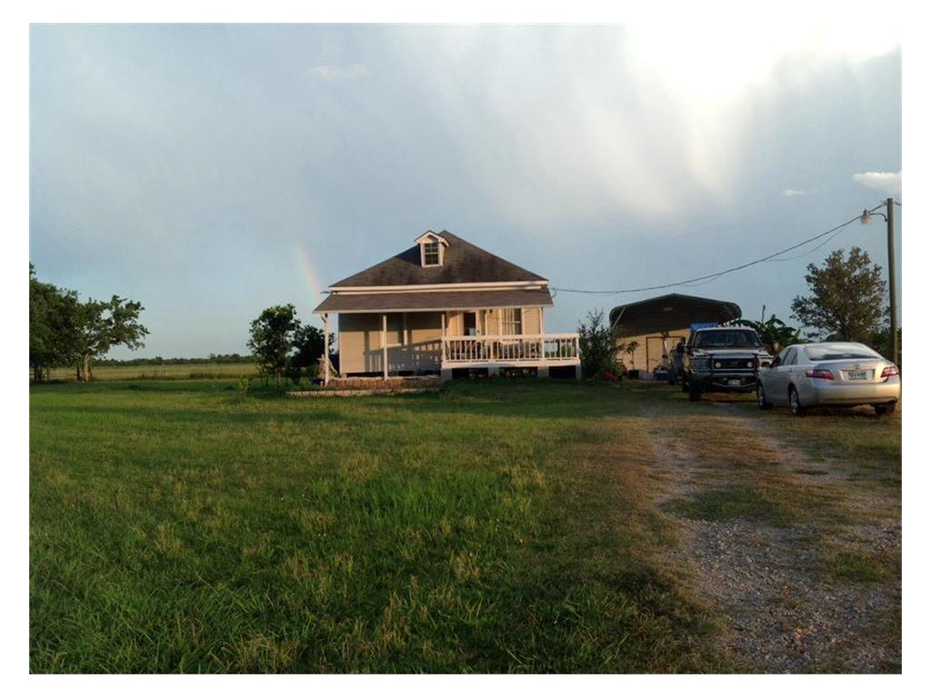 1622 County Road 15 Property Photo - Damon, TX real estate listing