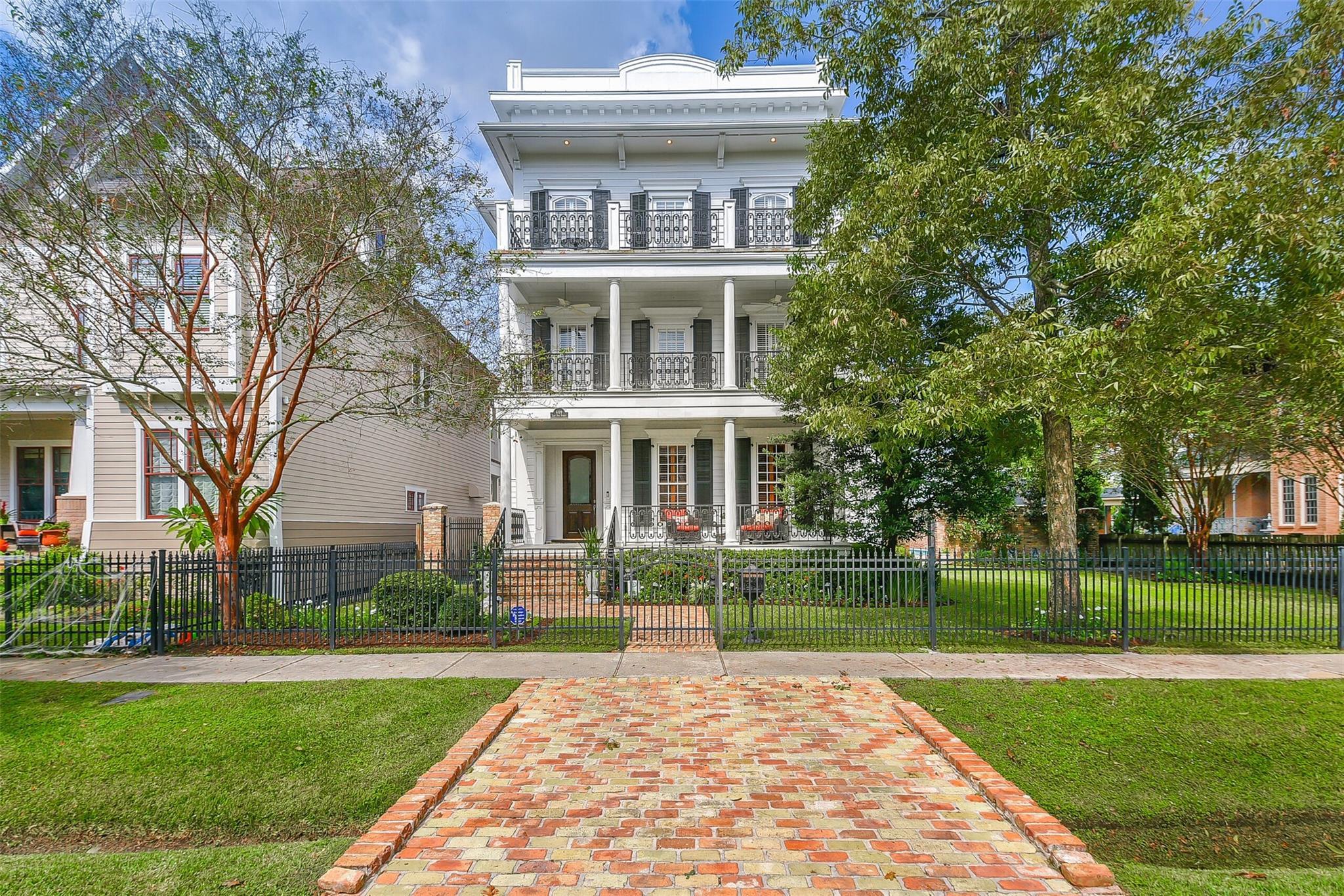 609 E 9th Street Property Photo - Houston, TX real estate listing