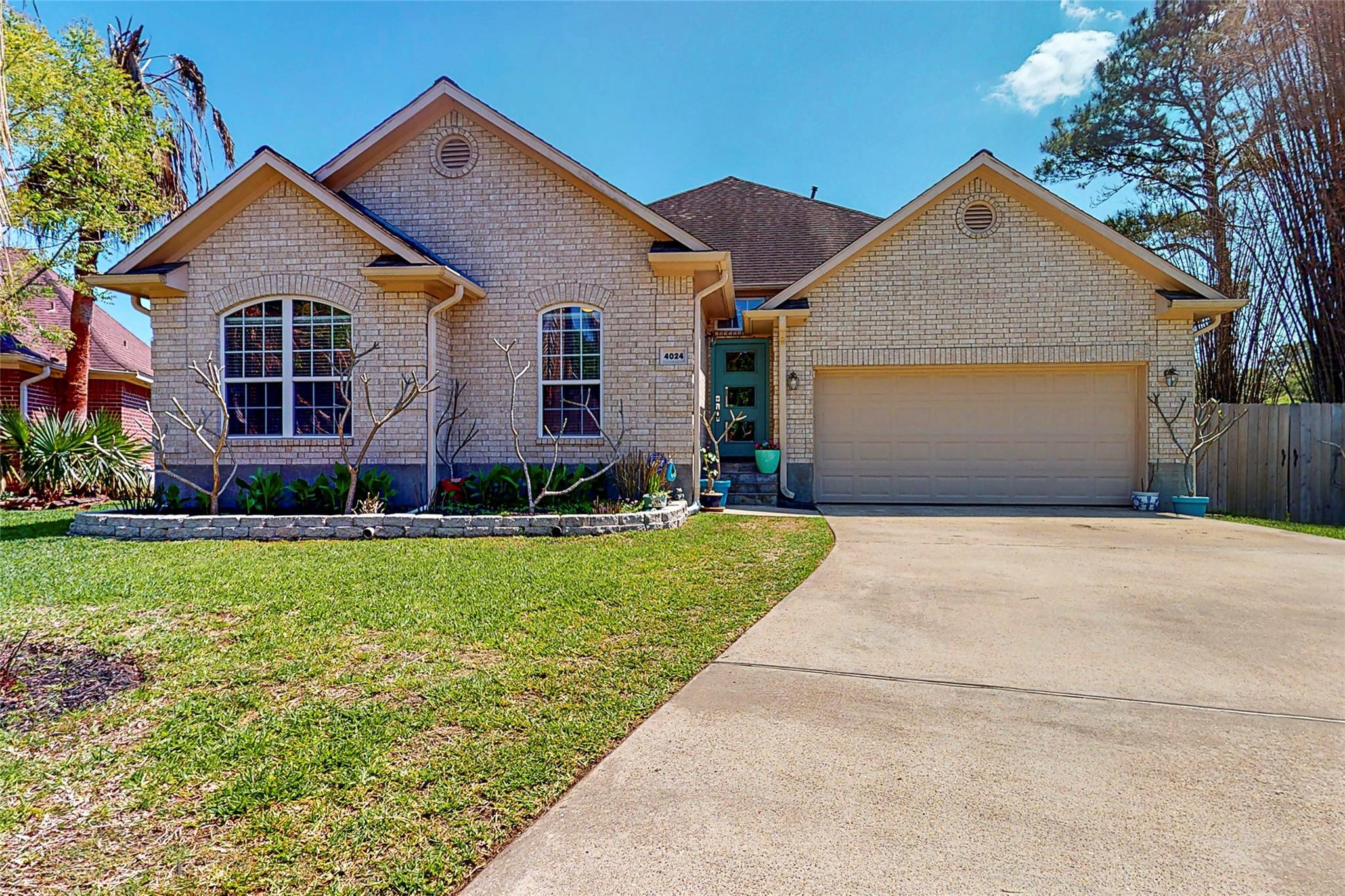 4024 Fatta Drive Property Photo - Dickinson, TX real estate listing
