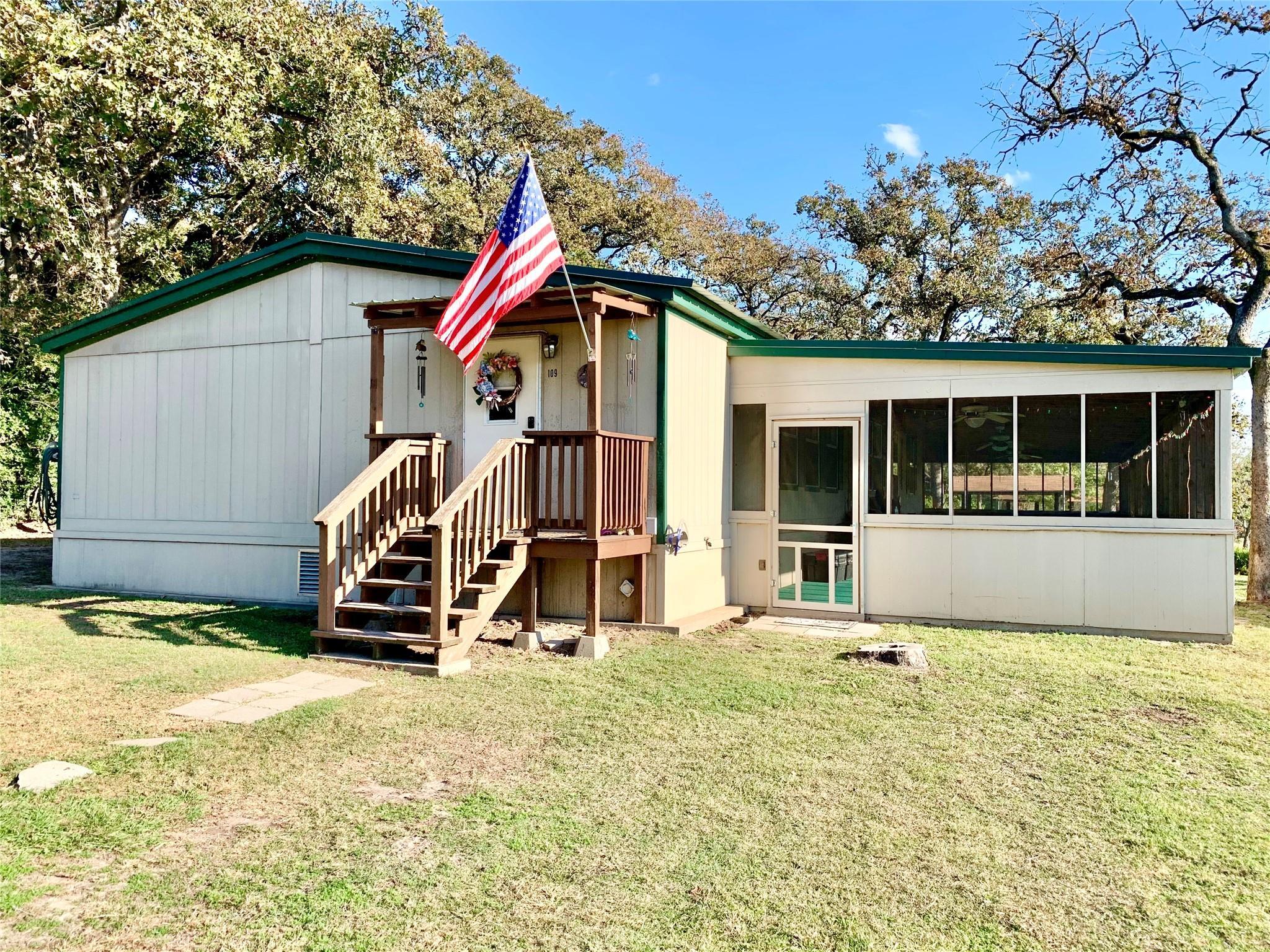 113 Live Oak Lane Property Photo - Somerville, TX real estate listing