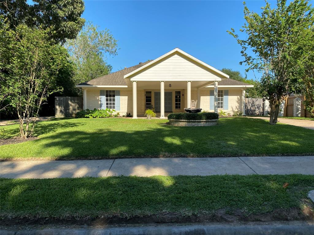 1606 W Chelsea Place Property Photo - El Lago, TX real estate listing