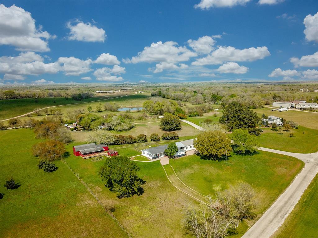 9015 Lake Drive Property Photo