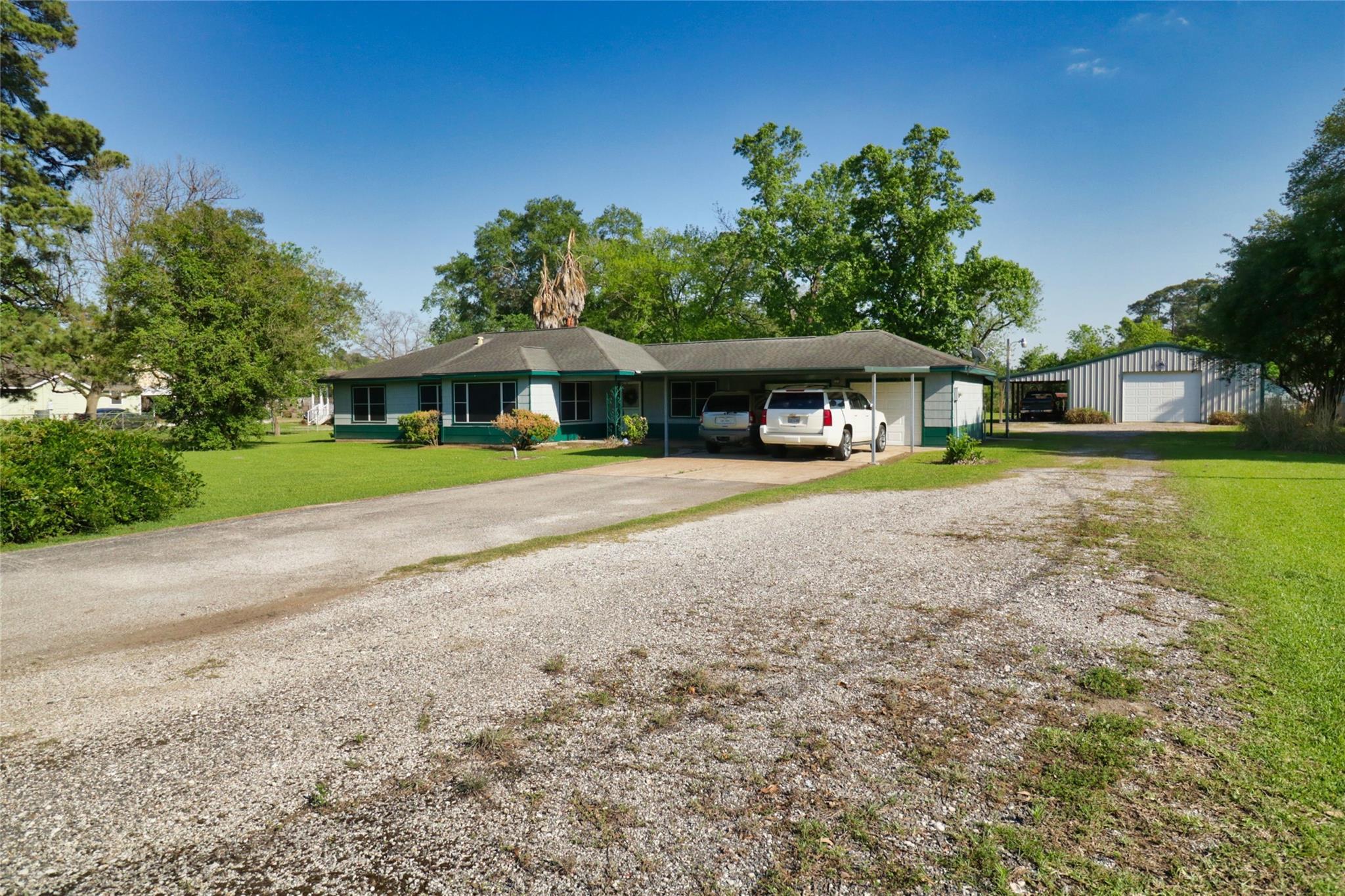 15426 South Drive Property Photo