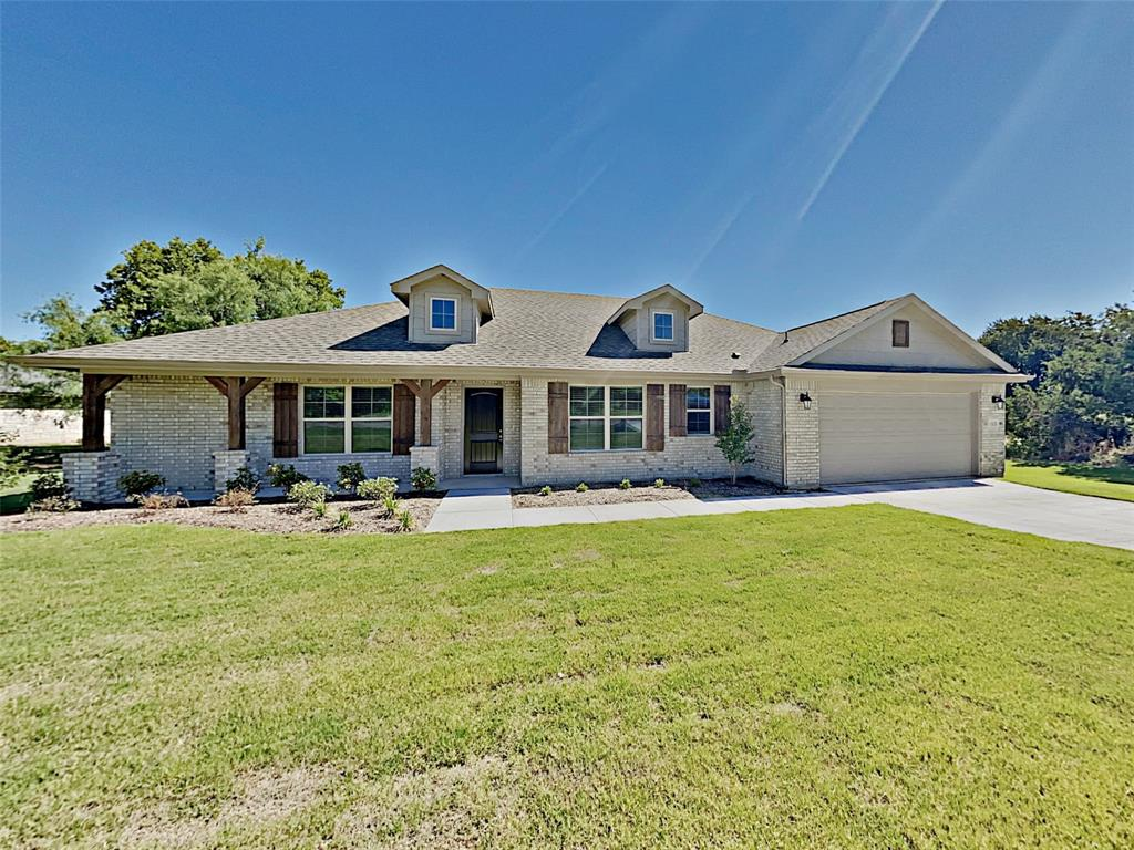 1008 W Apache Trail Property Photo - Granbury, TX real estate listing