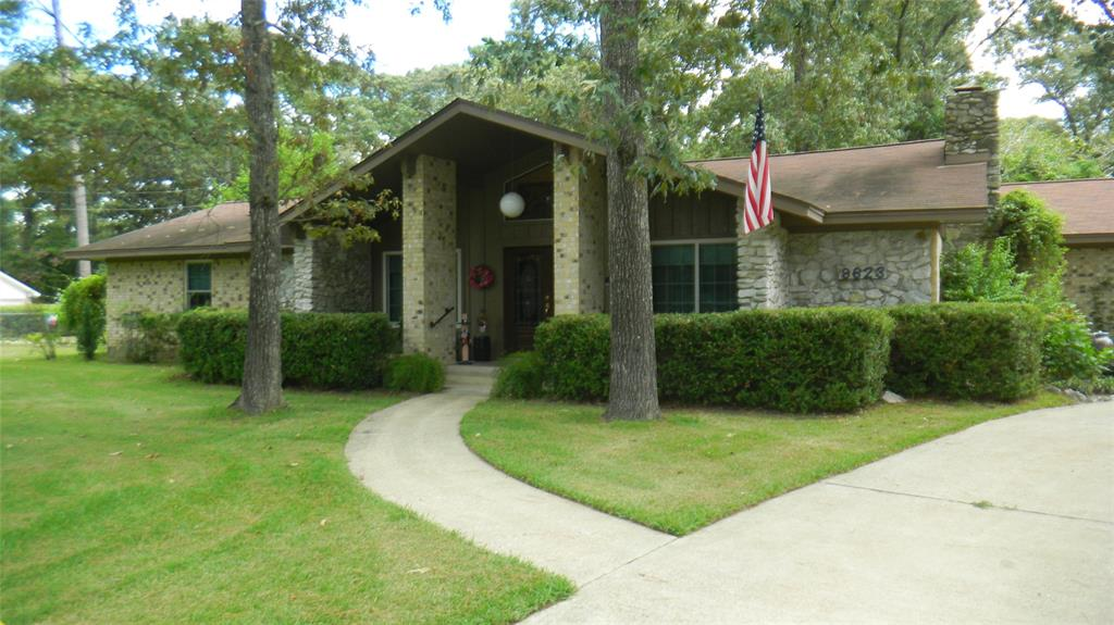 9623 Thousand Oaks Loop, Montgomery, TX 77316 - Montgomery, TX real estate listing