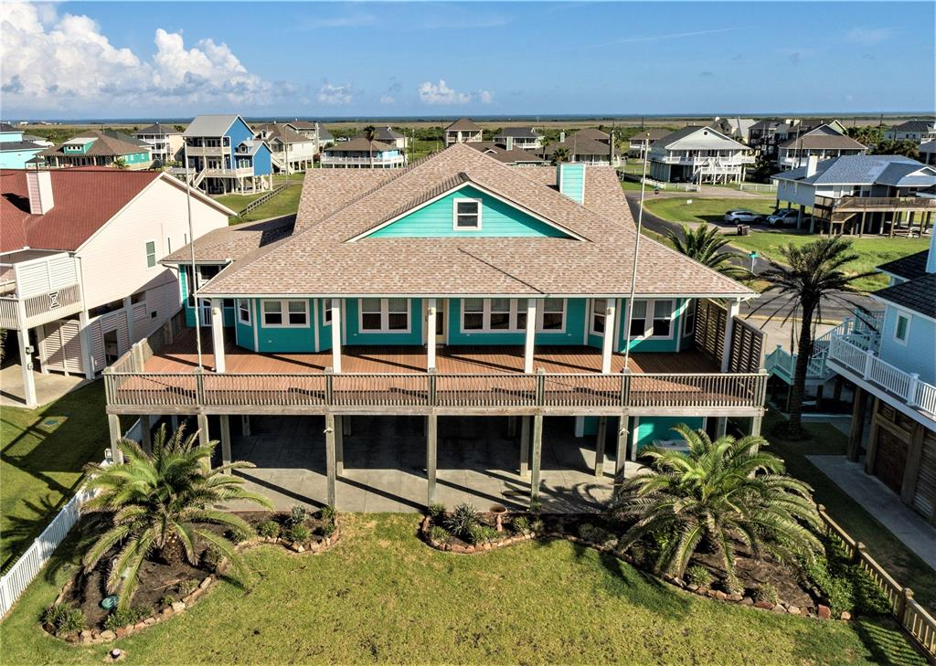 3228 Gulf Castle Drive Property Photo - Crystal Beach, TX real estate listing