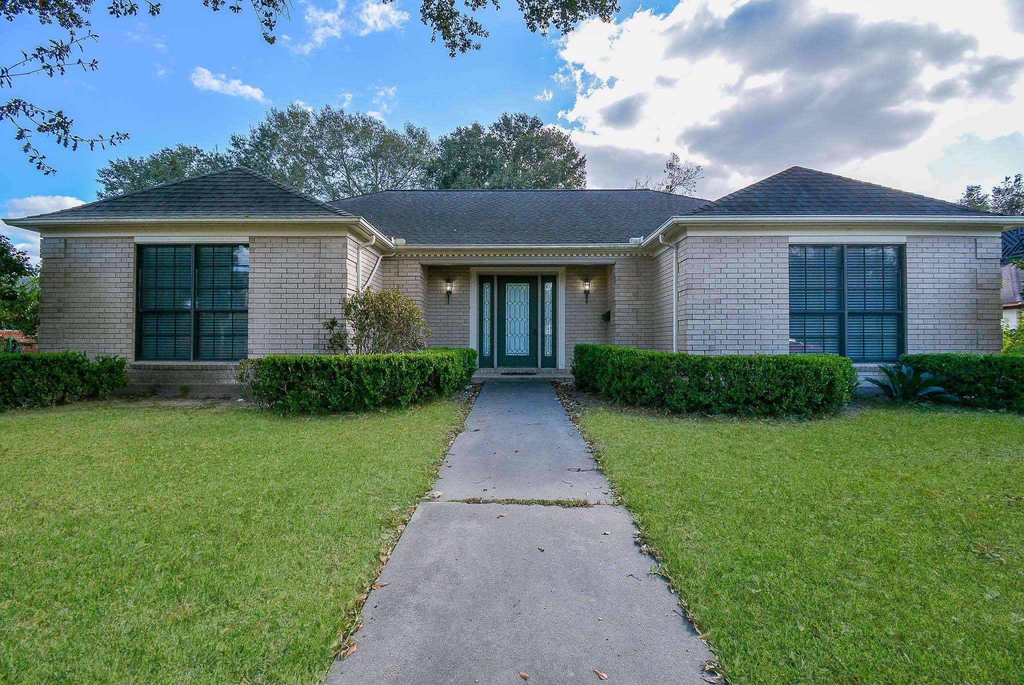 Abst. 142 Real Estate Listings Main Image