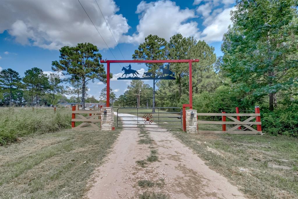 635 County Road 601, Dayton, TX 77535 - Dayton, TX real estate listing