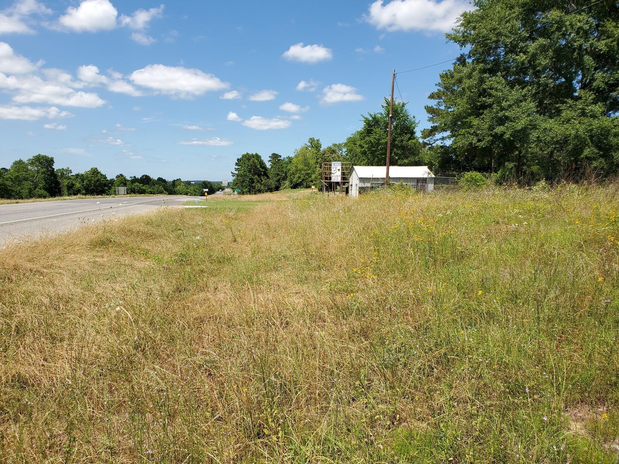 6355 Us Highway 59 S Property Photo