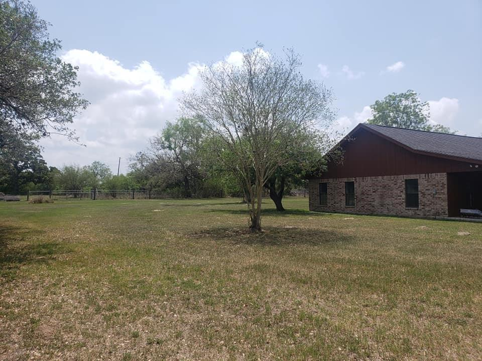 11969 Fm 2441 Property Photo - Goliad, TX real estate listing