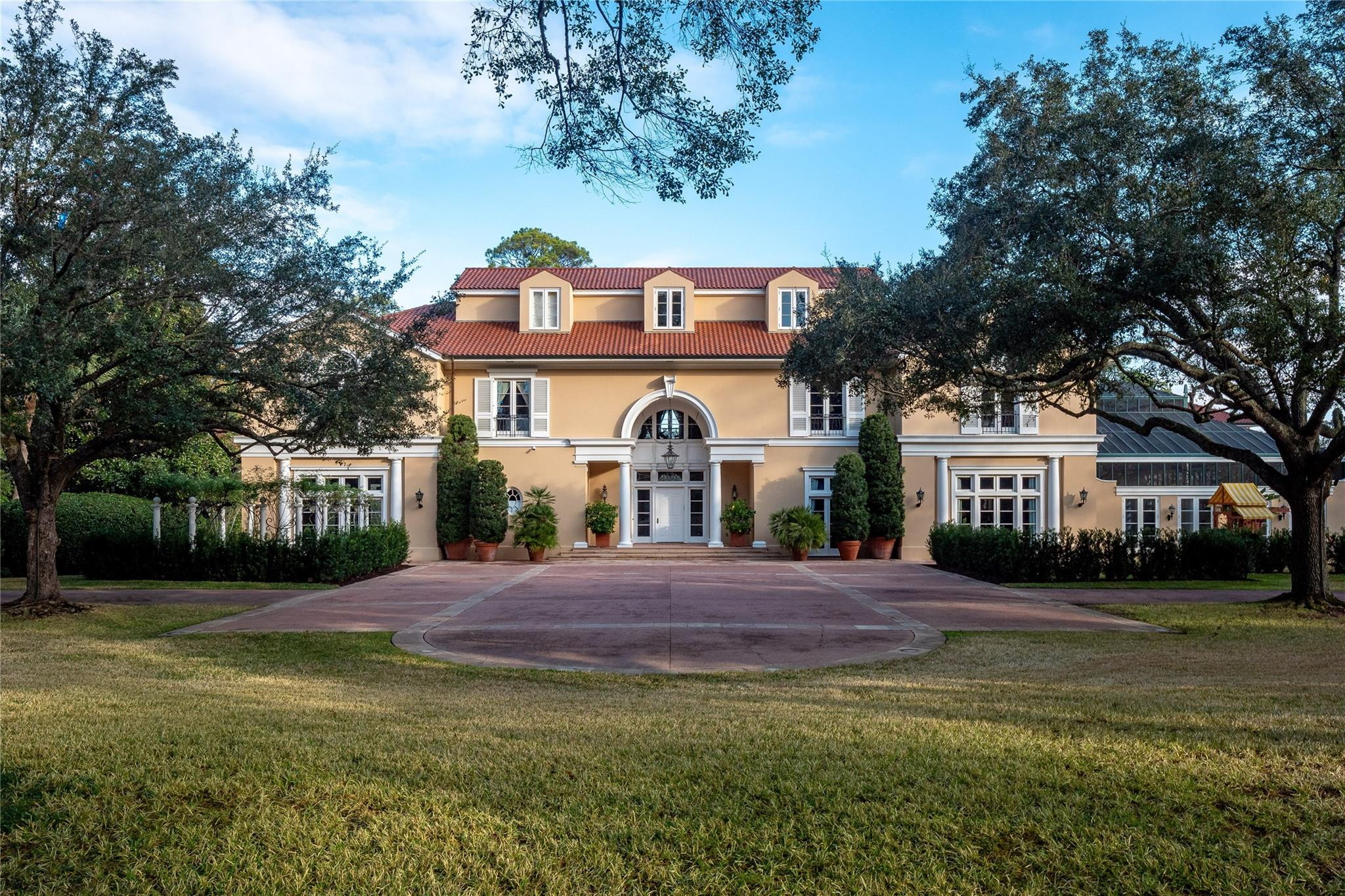 16 Real Estate Listings Main Image