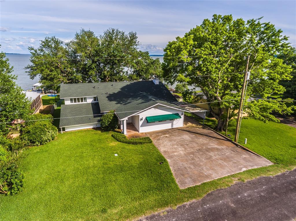 251 W Lake Circle Property Photo - Point Blank, TX real estate listing