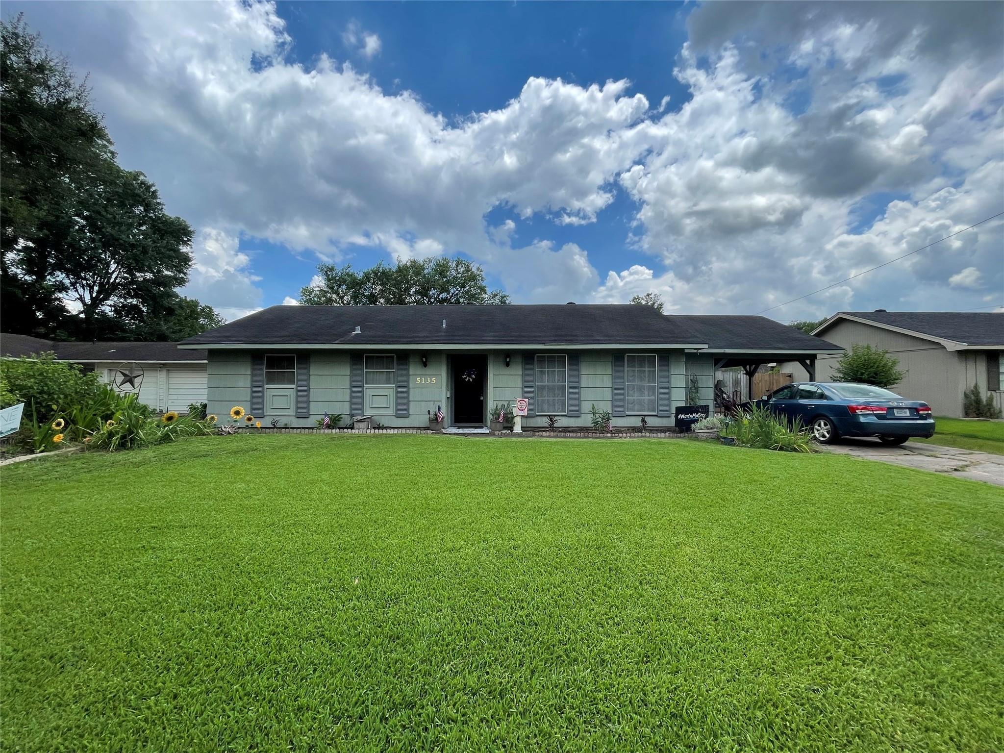 5135 Oriole Drive Property Photo