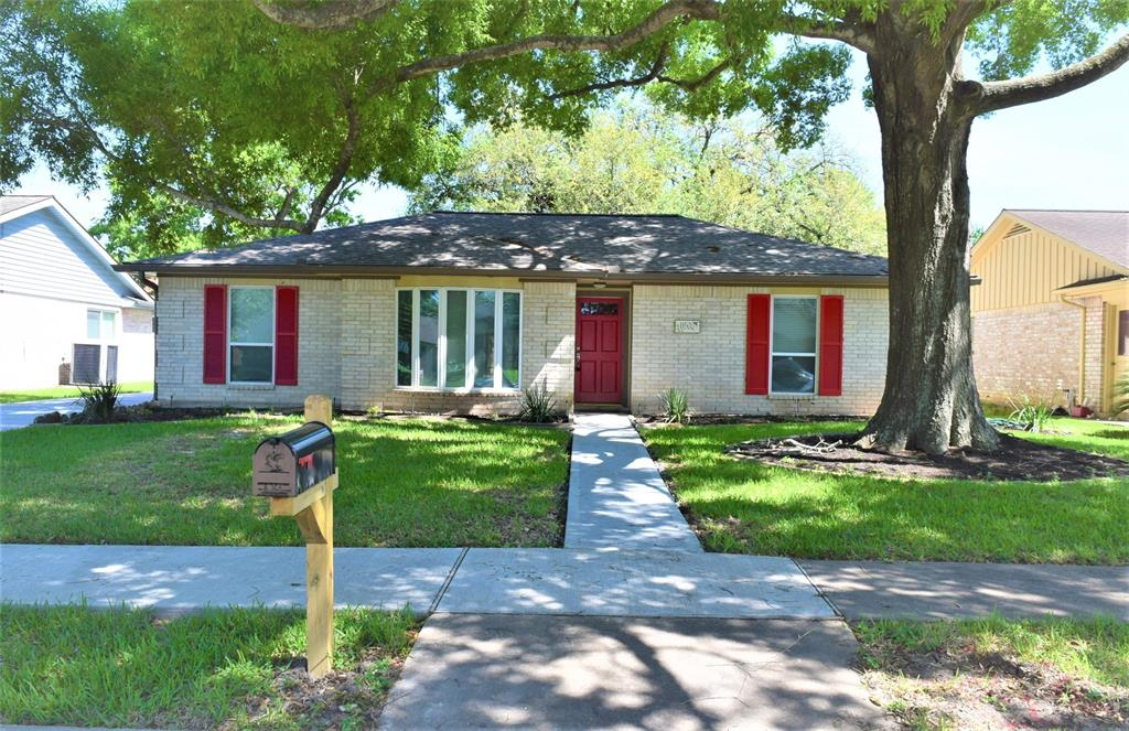 11502 Brook Meadows Lane Property Photo - Meadows Place, TX real estate listing